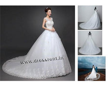 Load image into Gallery viewer, W157, White Flower Prewedding Shoot Trail Gown, Size (XS-30 to XL-40)