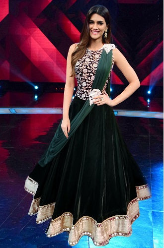 L6, Bottle green croptop with Lehenga (Kriti Sanon) ,size,(38-42)