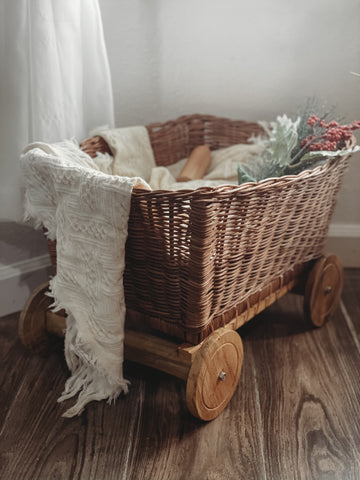 **CLEARANCE ** Adventurer Rattan Bassinet with Wheels