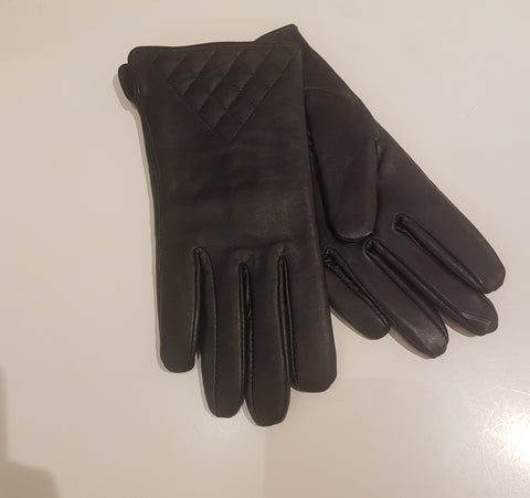 Aria Leather Gloves Triangle Pattern at Base