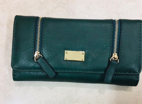 Purse  with  Zip  Features RL11