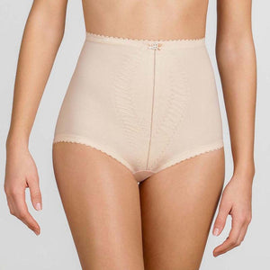 Playtex  I  Can't Believe It's A Girdle Shaping Maxi Brief P2522