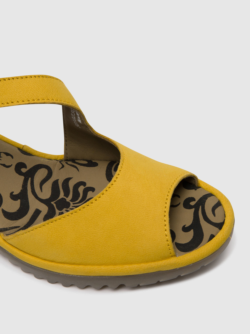 Velcro Sandals WYNO023FLY BRIGHT YELLOW
