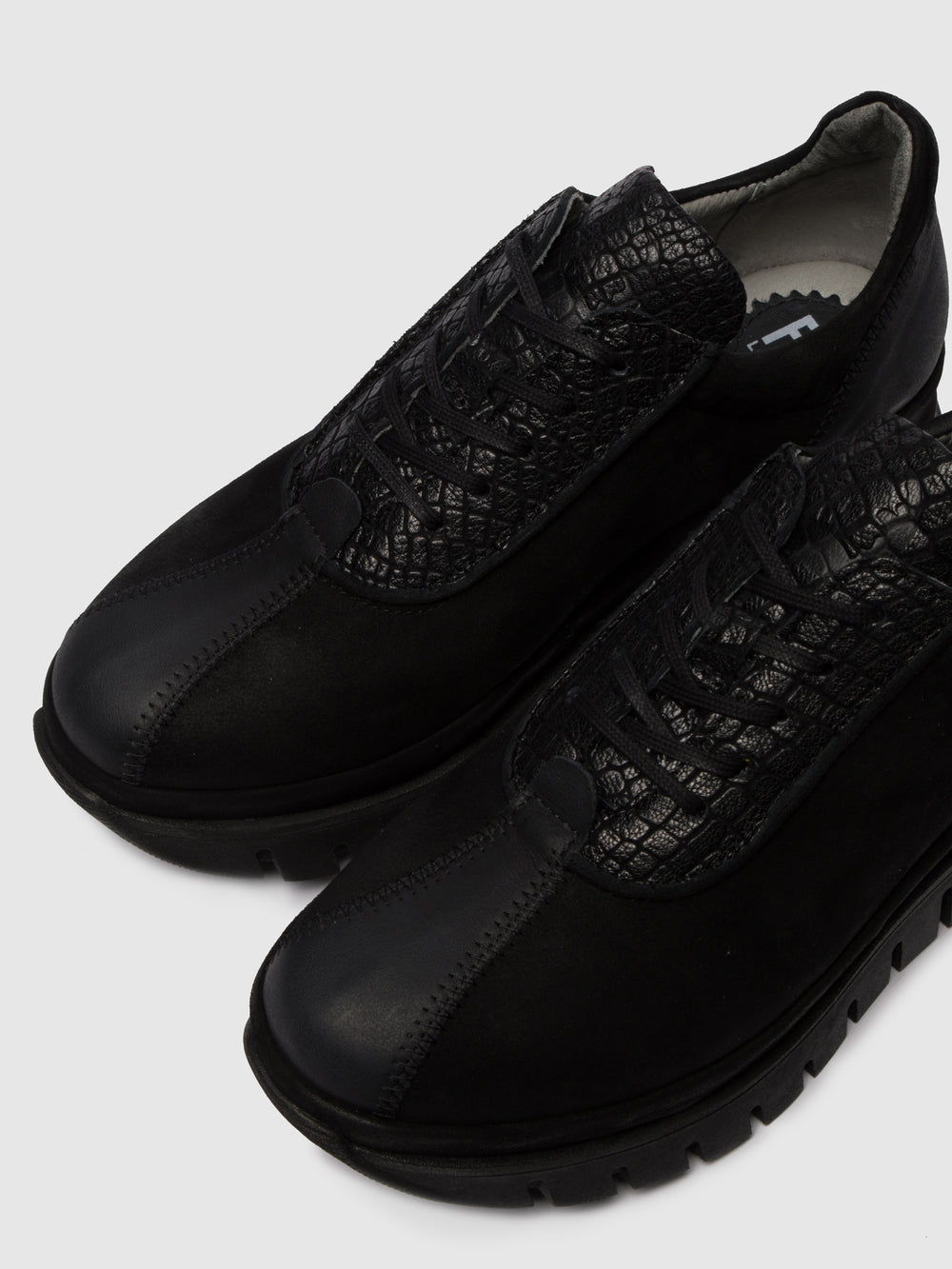 Lace-up Trainers BESI203FLY VERONA/CROCO/SILKY BLACK