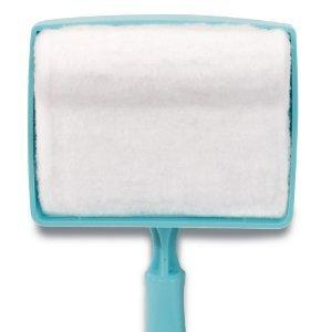 White Baseboard Multi-Use Cleaning Duster