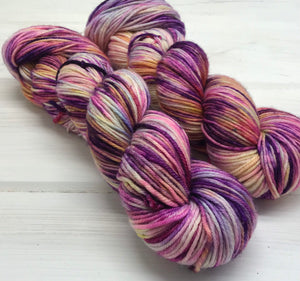 Give Me My Flowers Now - DK Weight - Superwash Merino - Kettle Dyed Yarn - Ça c'est bon Base - Dyed To Order
