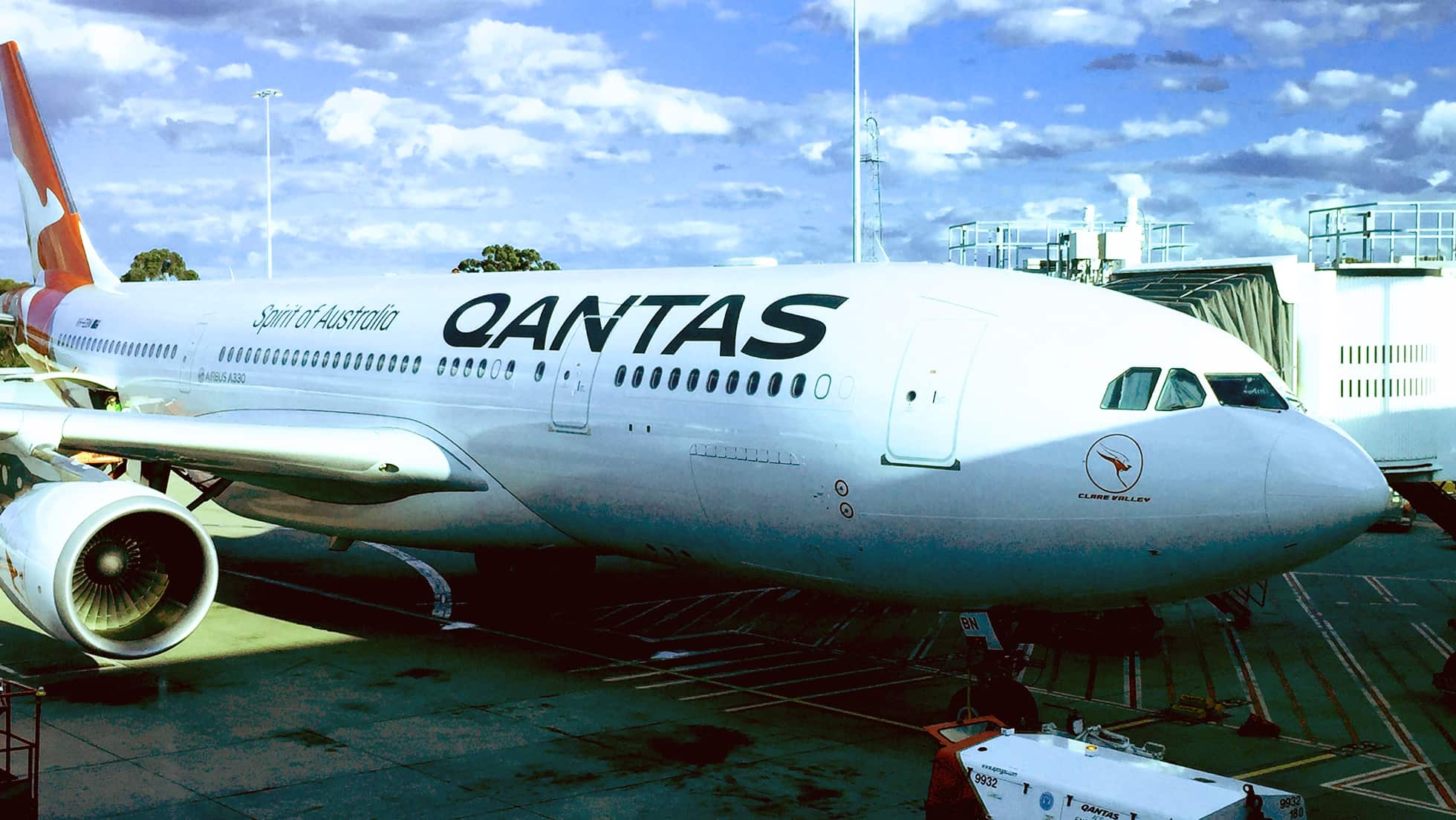 Qantas Melbourne to Perth Business Class Review