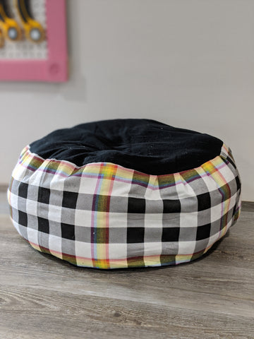 Rainbow Black Plaid Marshmallow Pet Bed
