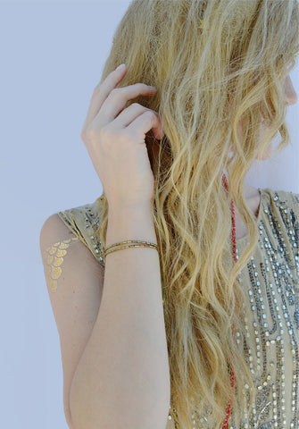 thread bracelet - gold army