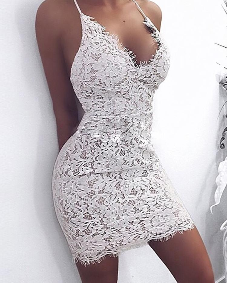 Robe en dentelle de cils moulante sangle spaghetti