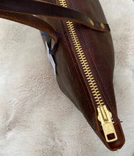 Load image into Gallery viewer, Large Worn Saddle Barn Tote with Zipper