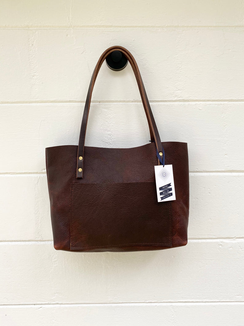 Small Worn Saddle Barn Tote with Outside Pocket