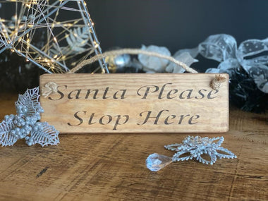 Santa Please Stop Here sign, Christmas decoration