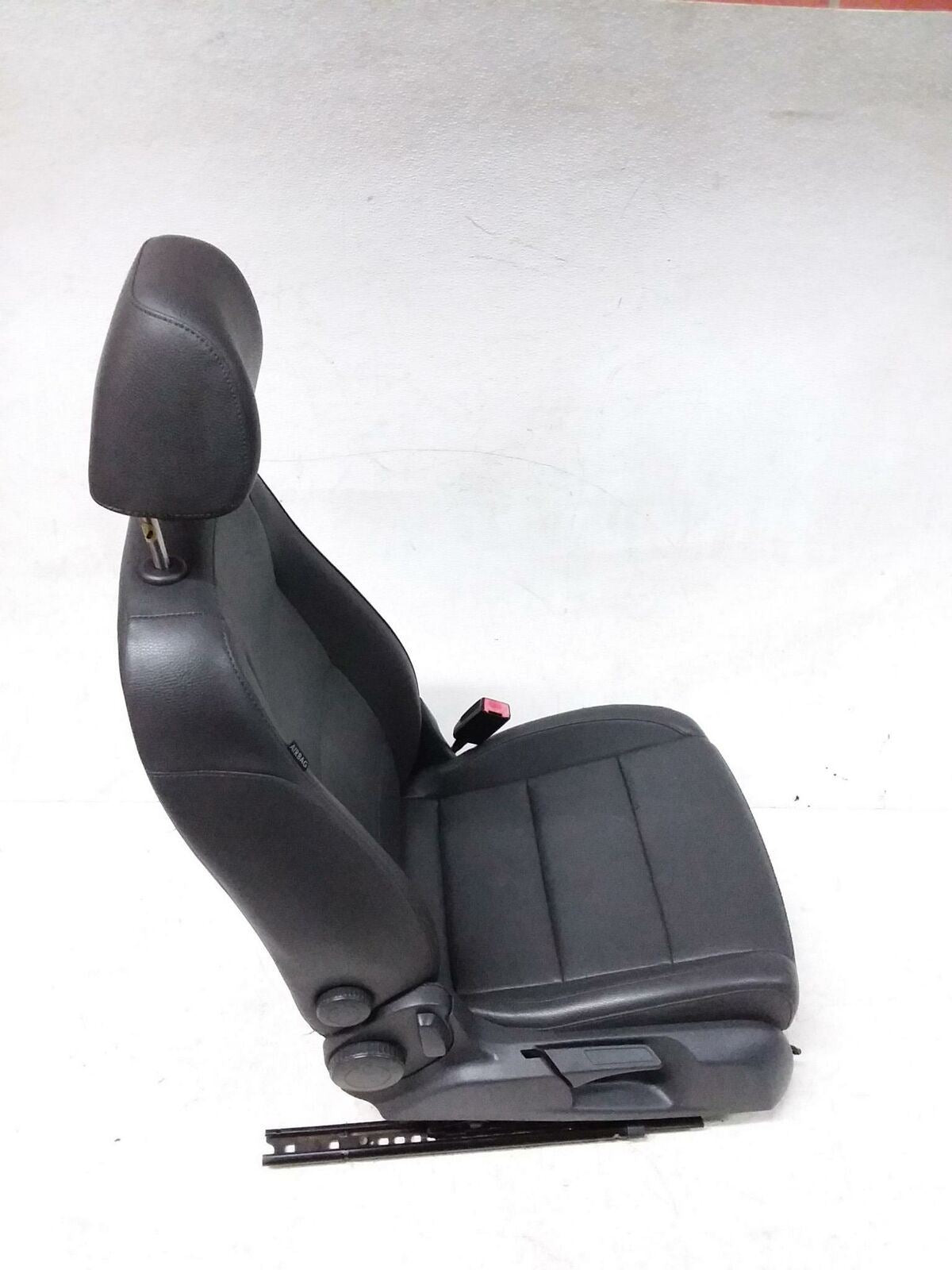 VOLKSWAGEN JETTA MK5 FRONT RIGHT HEATED SEAT FACTORY LEATHER OEM  2006 2007 2009