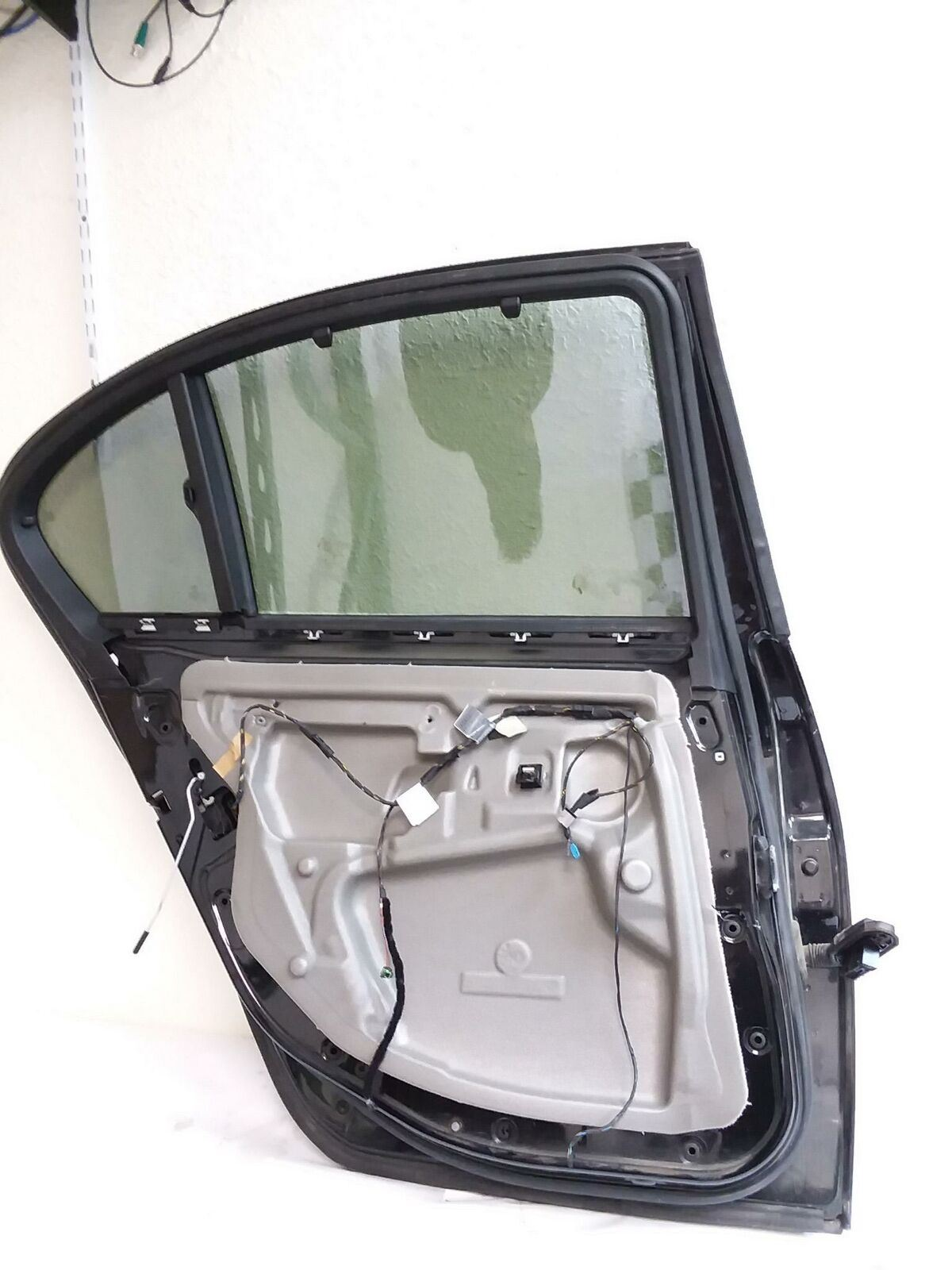 BMW REAR LEFT DOOR E60 M5 545i 550i 525i 530i 535i 528i 2004-2010 OEM 4152720234
