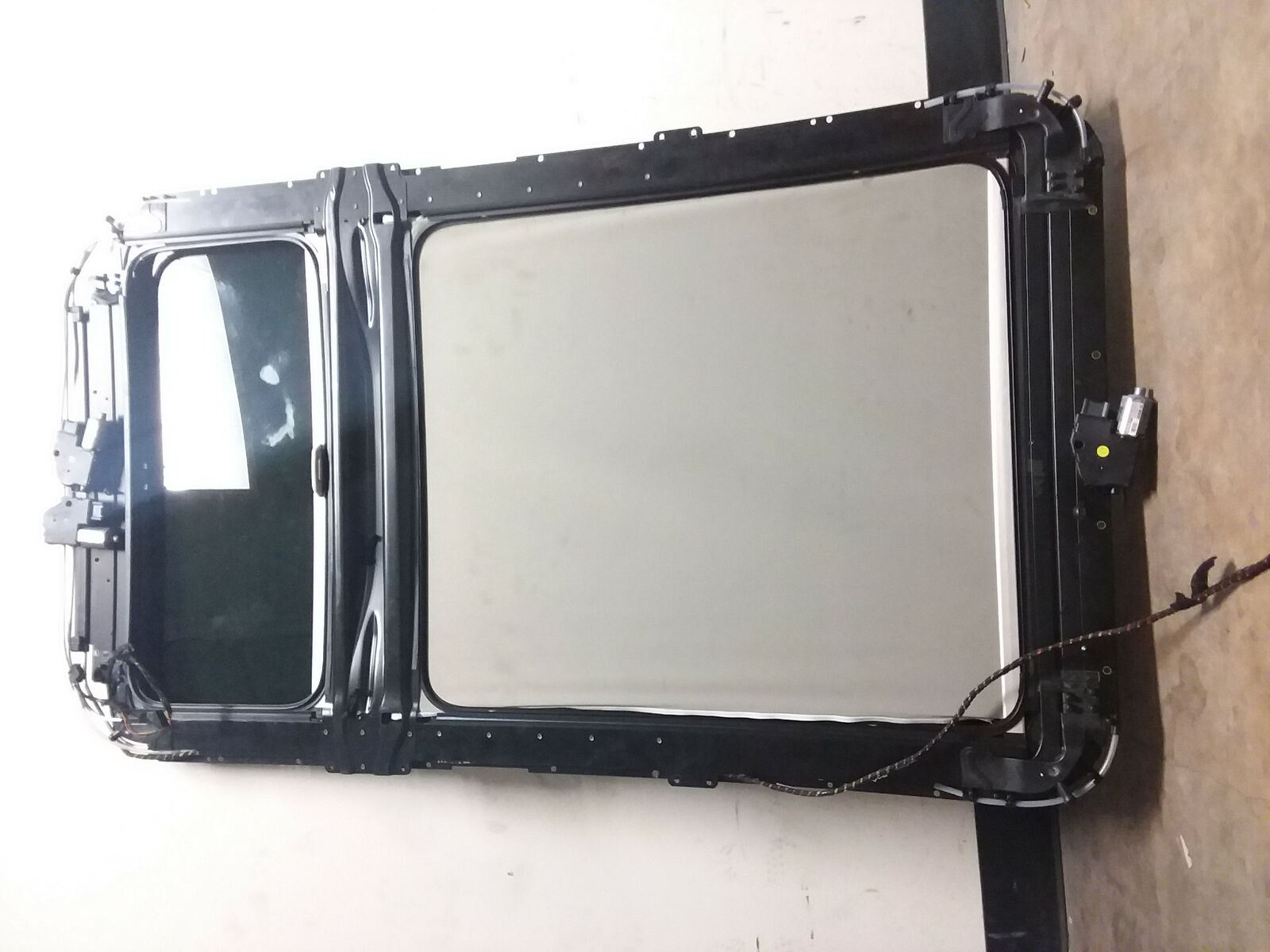 2007-2015 Audi Q7 Sunroof Assembly Roof Panoramic Complete
