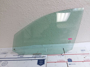 2008-2011 Mercedes-Benz C300 Front Driver Left Door glass window 2047250110