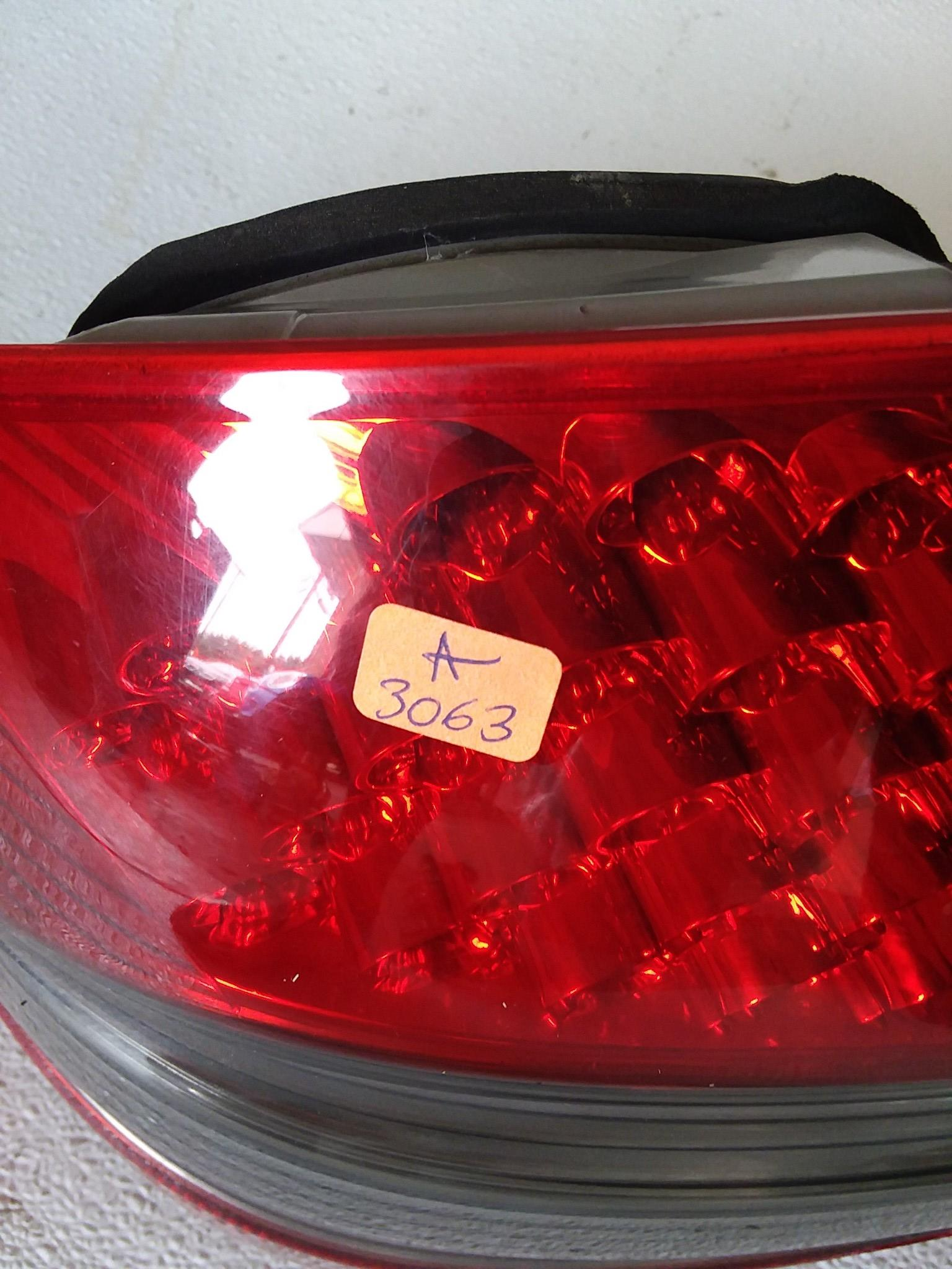 MERCEDES BENZ E350 E550 SEDAN REAR TAIL LIGHT LEFT DRIVER 2007 2008 2009 OEM