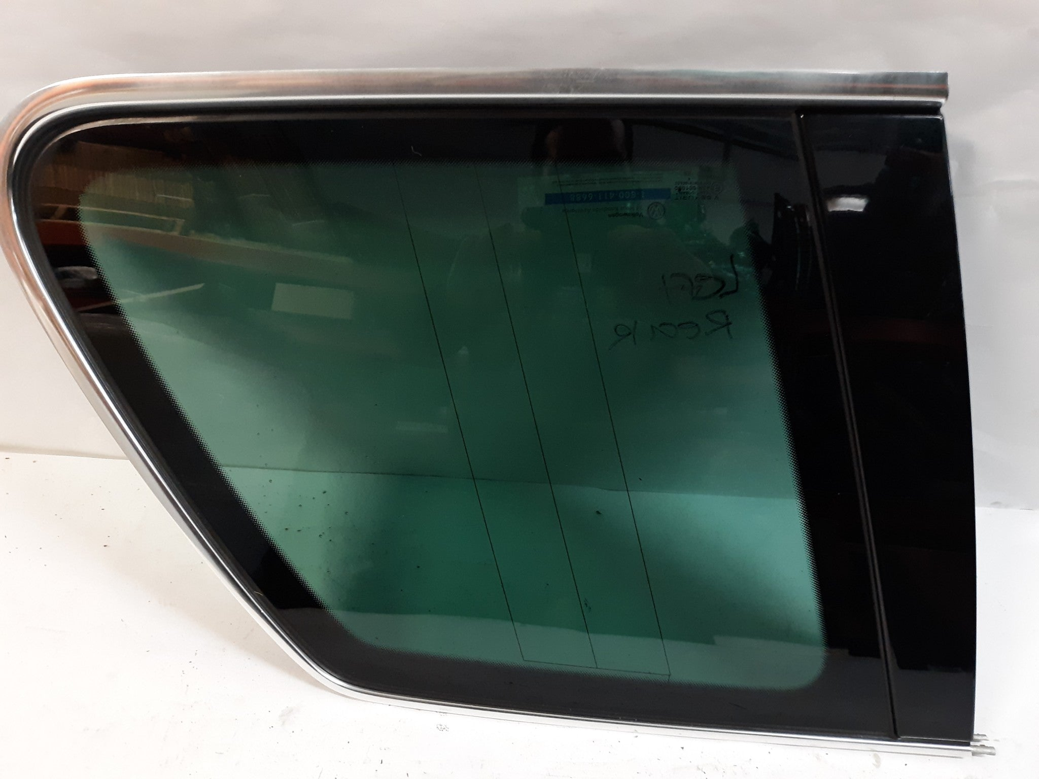 2004 -2008 VW TOUAREG 7L-REAR LEFT SIDE QUARTER WINDOW GLASS 7L6845297 OEM