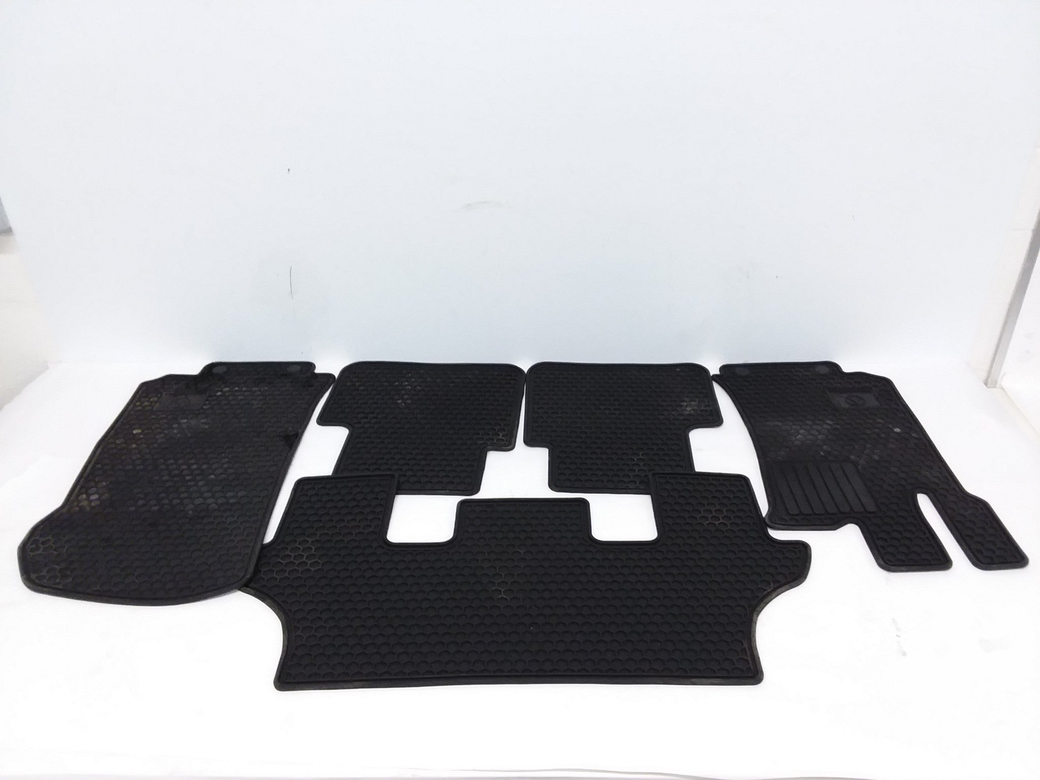 2006-2010 MERCEDES BENZ R350 CUSTOM FIT CARPET FLOOR MAT