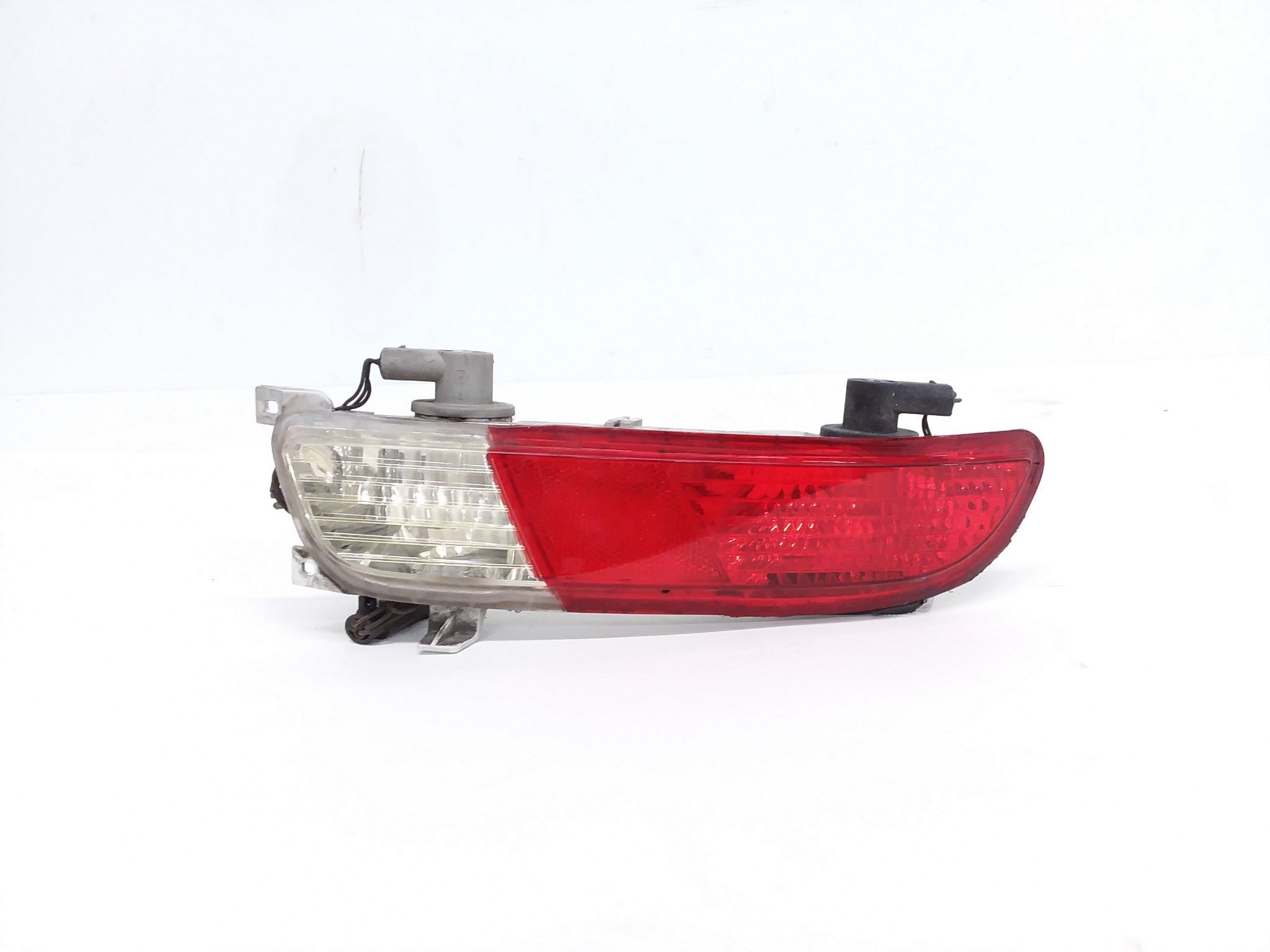 2004 - 2007 BMW 645Ci 650i M6 LEFT DRIVER LOWER TAIL LIGHT LAMP OEM 63217165815
