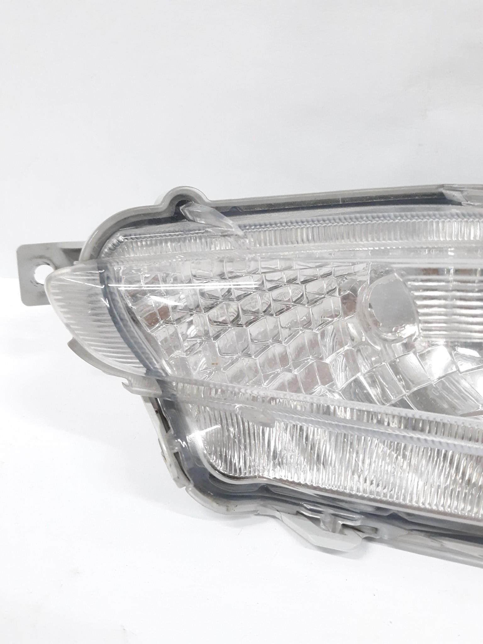 2015 2016 2017 Toyota Camry OEM Right side Foglight # NAL 945 233