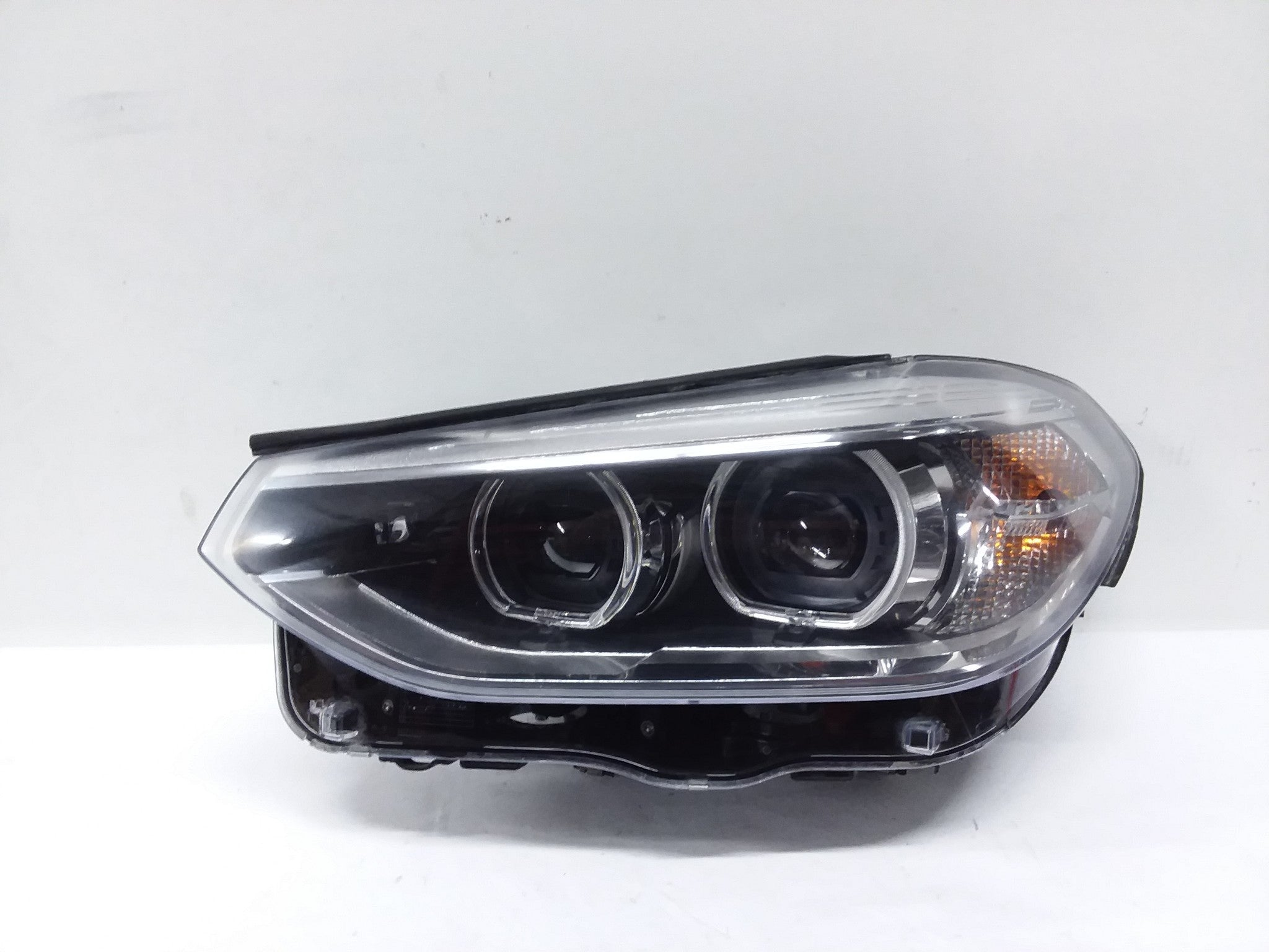 OEM 2018 2019 BMW X3 LEFT SIDE HEADLIGHT LAMP LED W/O Adaptive 63117466127