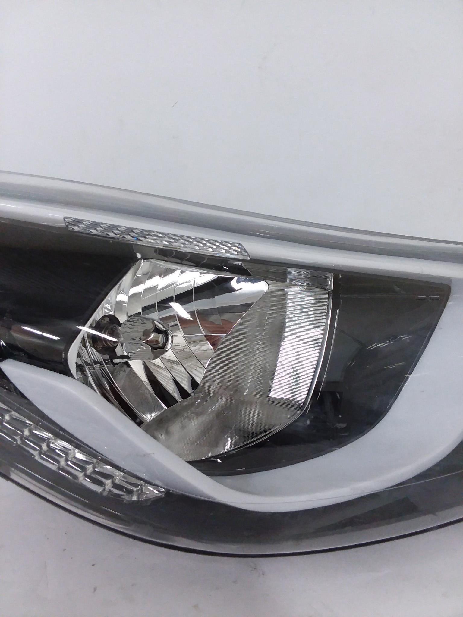 OEM 2014 2015 2016 Hyundai Elantra Halogen Right Passanger Headlight - CR Auto Parts