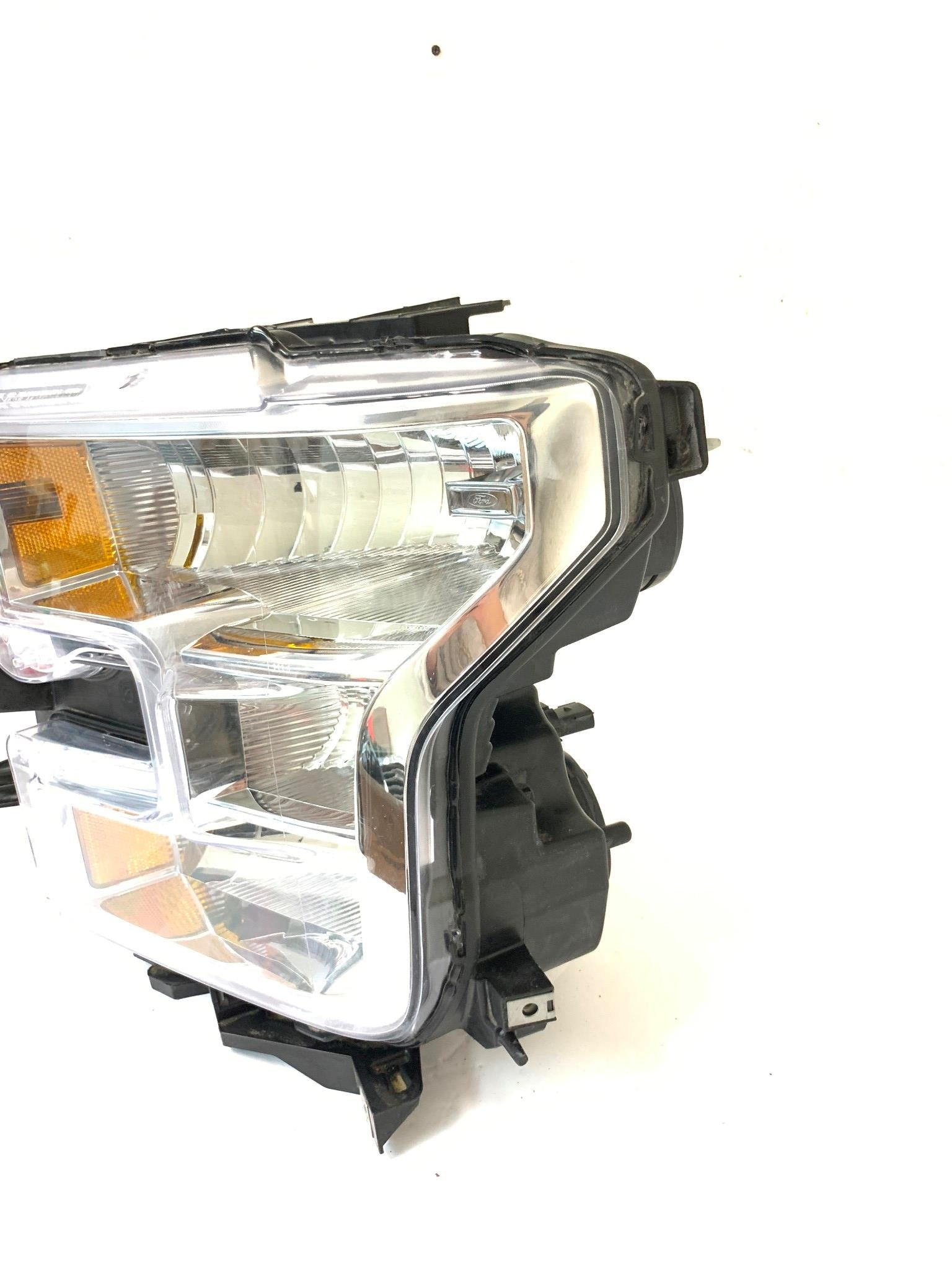 FORD F-150 DRIVER LEFT SIDE HALOGEN HEADLIGHT HEADLAMP 2015 2016 2017 OEM