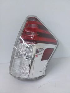 2015 2016 2017 TOYOTA PRIUS V RIGHT PASSENGER SIDE TAIL LIGHT OEM