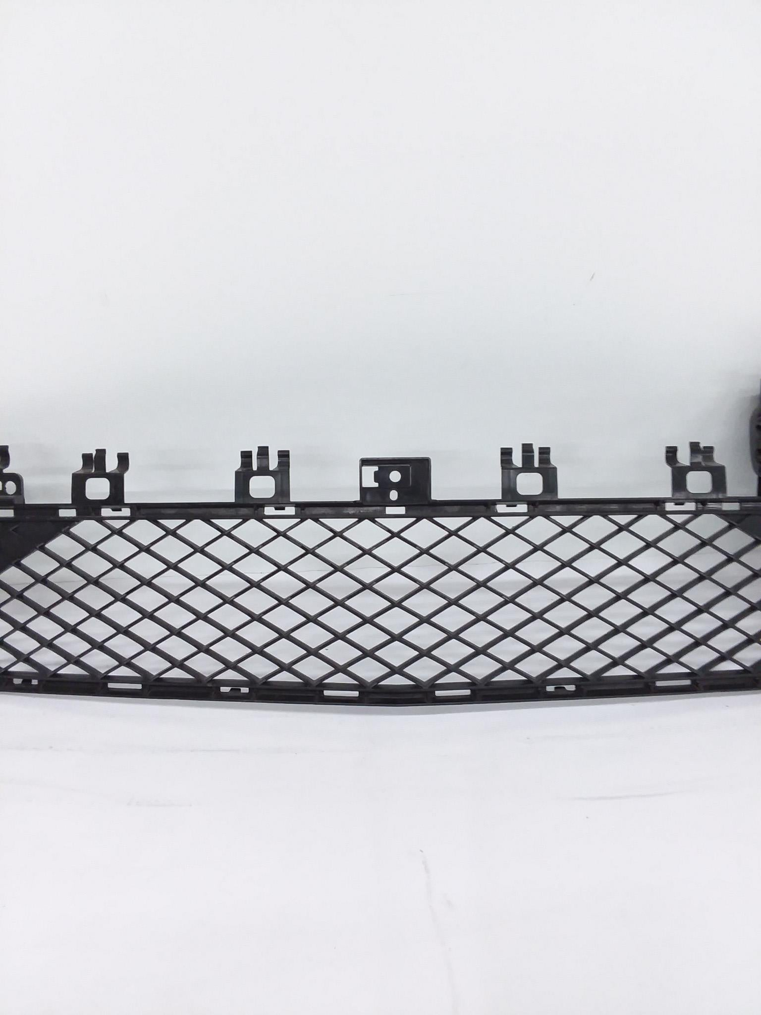 2012 - 2014 Mercedes Benz C-Class C300 C350 Lower Bumper GRILLE A2048850853 OEM