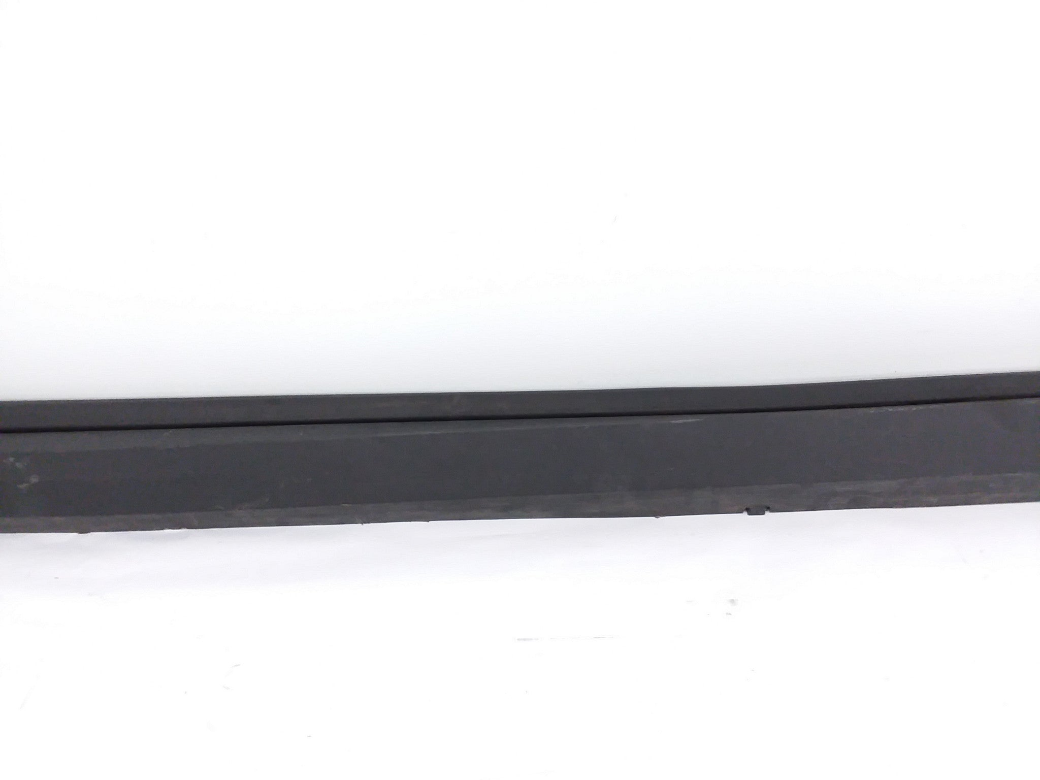 CADILLAC XT5 RIGHT PASSENGER ROCKER PANEL MOULDING TRIM 2017 2018 OEM 84100136