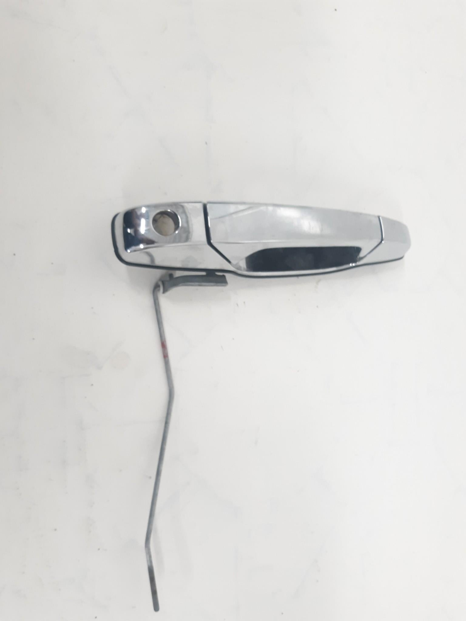 2007 - 2012 GMC CHEVY CADILLAC LEFT DRIVER SIDE FRONT EXTERIOR DOOR HANDLE OEM