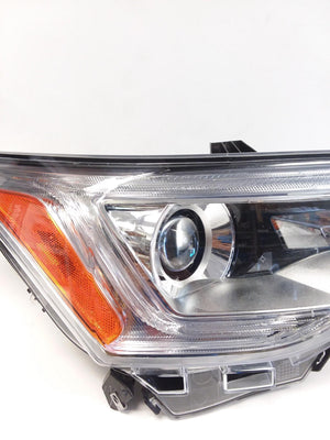 2017 2018 2019 GMC ACADIA PASSENGER HEADLIGHT HALOGEN RH 84278816, 684396068 OEM - CR Auto Parts