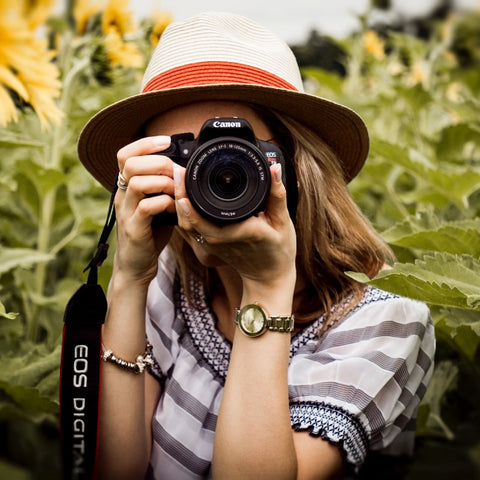 Kelly Elaine specializes in portrait, lifestyle, music, and travel photography. You're in good hands!