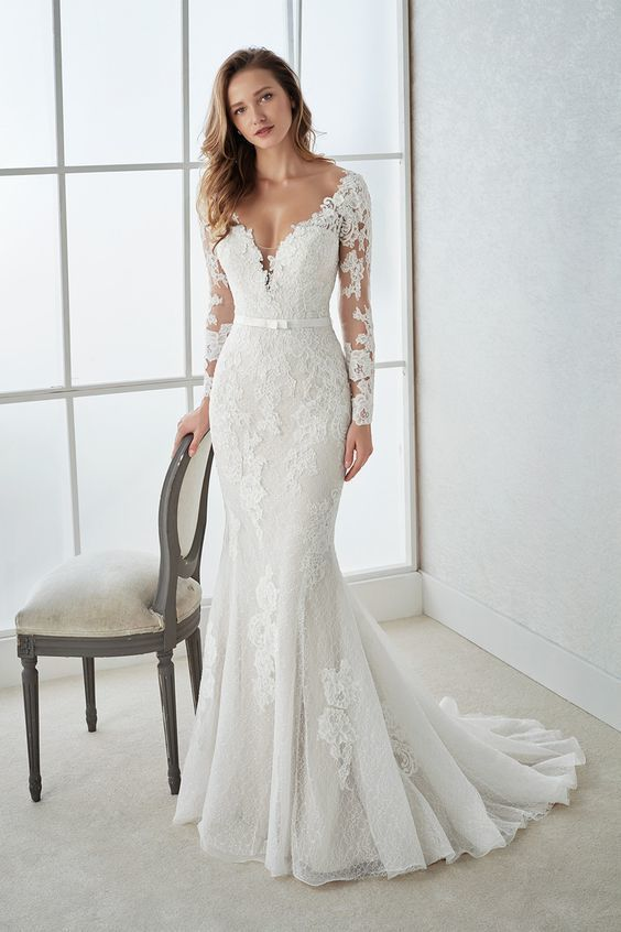 White wedding dress   V Neck wedding dress  Long Sleeves wedding dress Mermaid long Wedding Dresses lace  Applique wedding dress