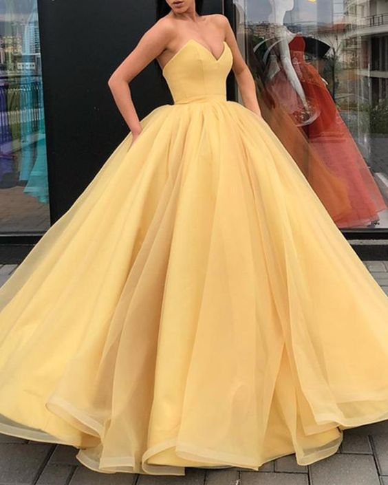 Organza Ball Gowns Prom Dresses V-neck Corset Quinceanera Dresses For Sweet ,Custom Made,Party Gown,Evening Dress