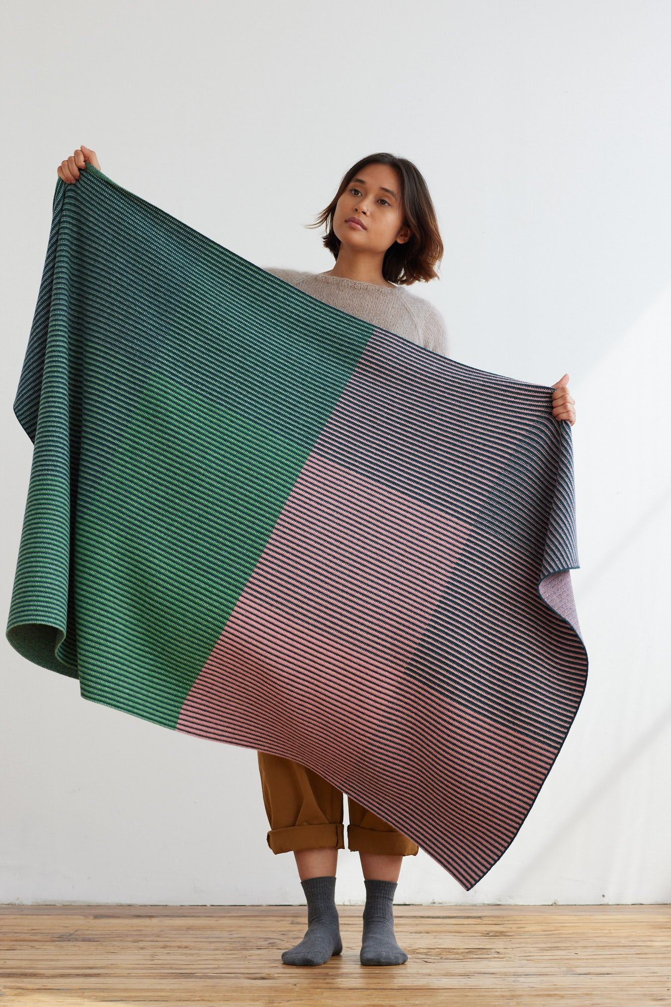 'St Ives' Blanket in Sea Pink and Oxide Green
