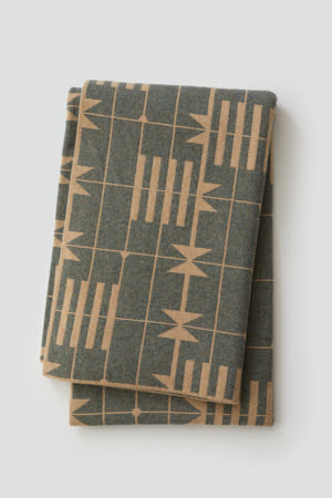 'Dovetail' Bedthrow in Sandstone and Ink