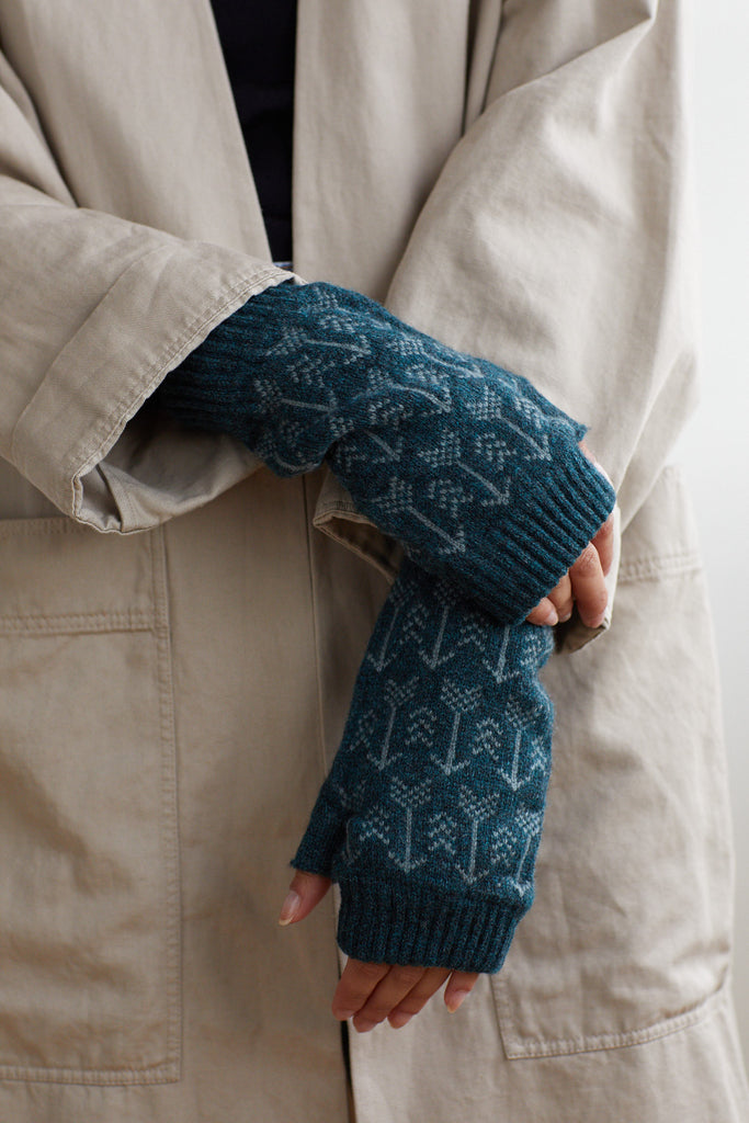"Fingerless Mitt ""Arrow""<br/>Ink + North Sea"