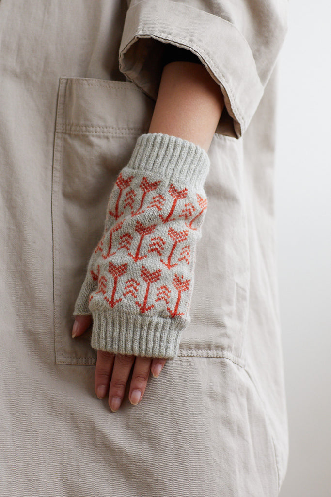 "Fingerless Mitt ""Arrow""<br/>Birch + Rust"