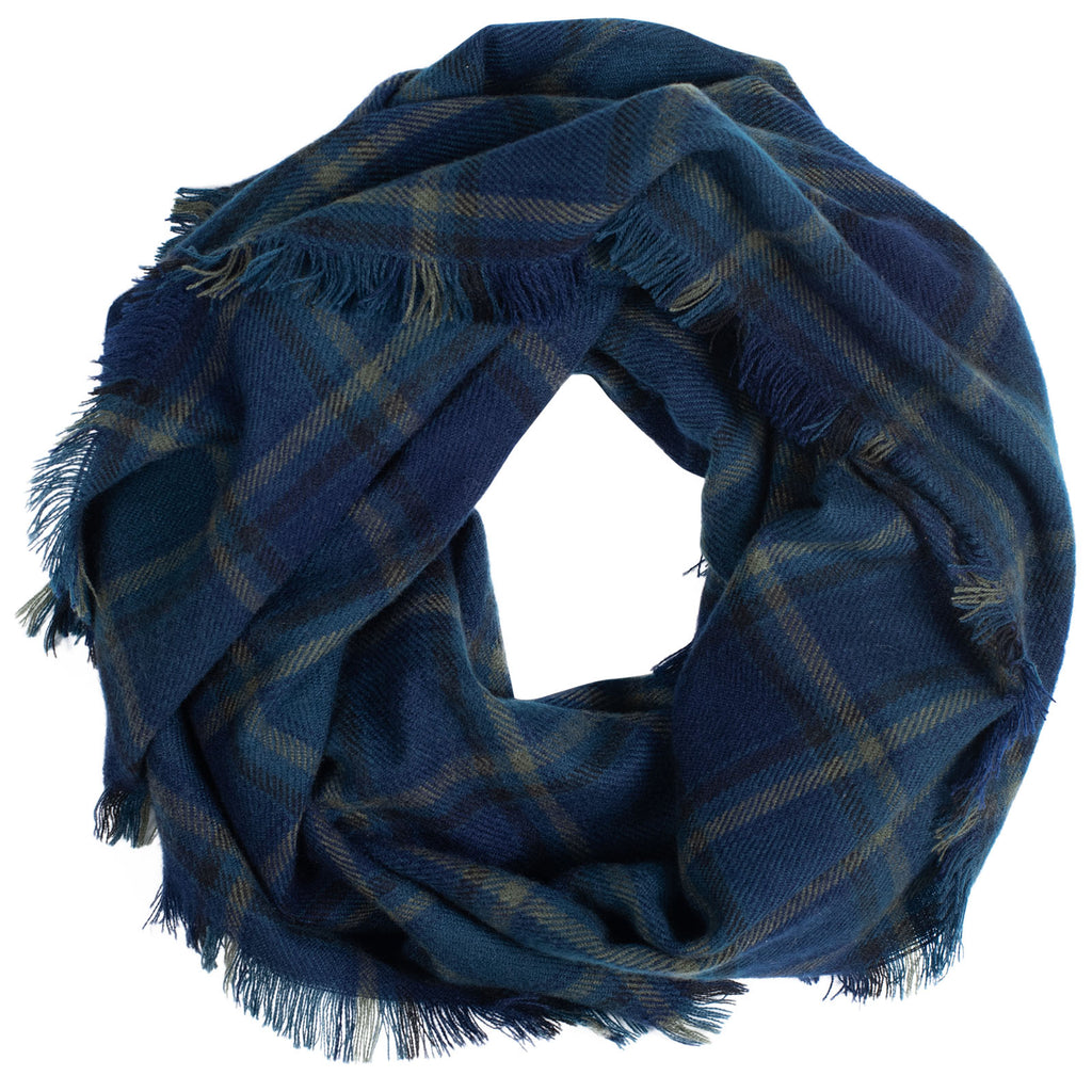 Women's Oversized Plaid Scarf | Mountain Khakis