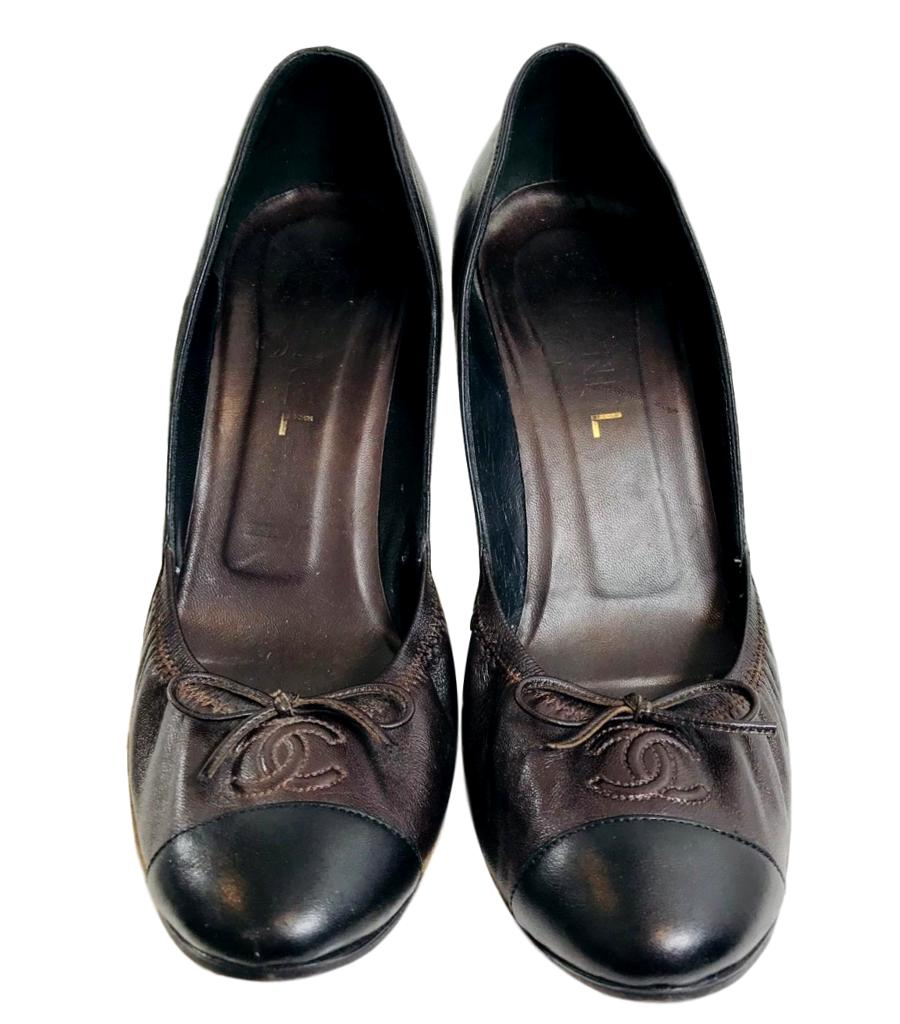 Chanel Vintage Two Tone Pumps. Size 39