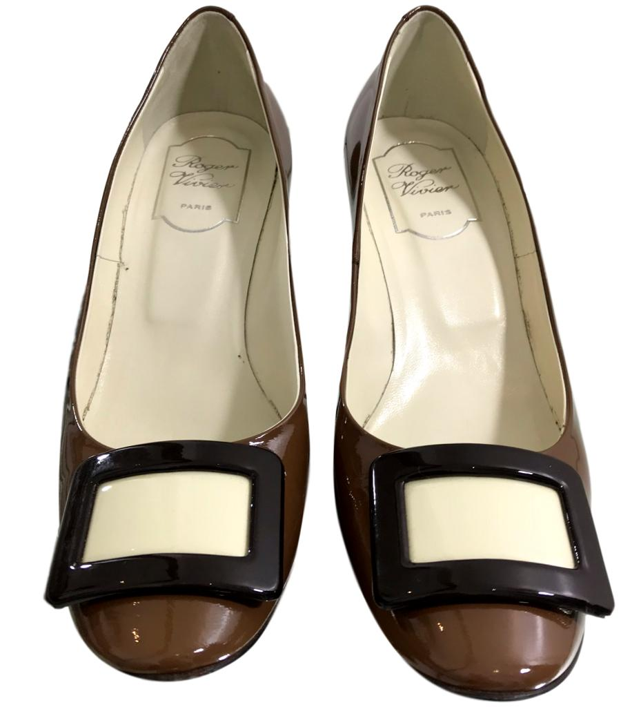 Roger Vivier Patent Leather Pumps. Size 37.5