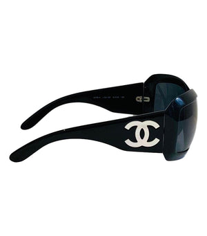 Chanel Sunglasses With Mother Of Pearl CC Logo