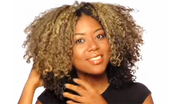 Fingerstyling Demo Part Trois: How to Stretch Out Curls