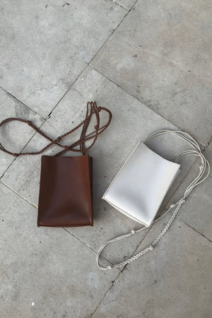 〈再入荷〉square shoulder bag