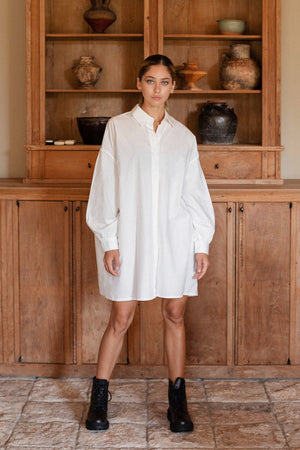 dolman shirt one-piece (white)