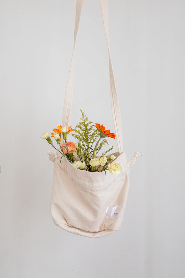 drawstring shoulder tote bag