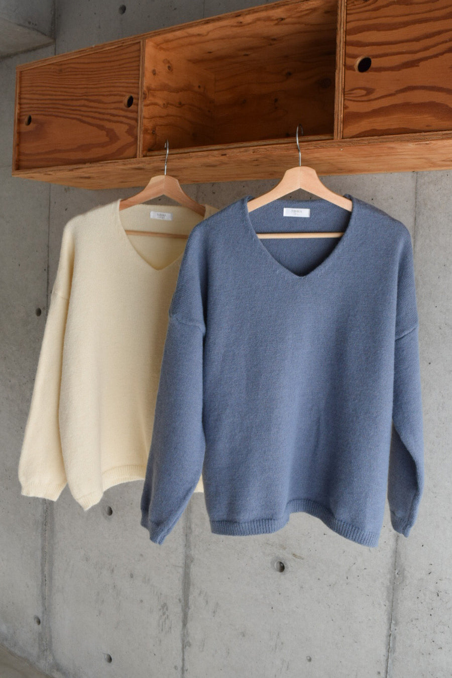 simple soft sweater ( 2 colour )